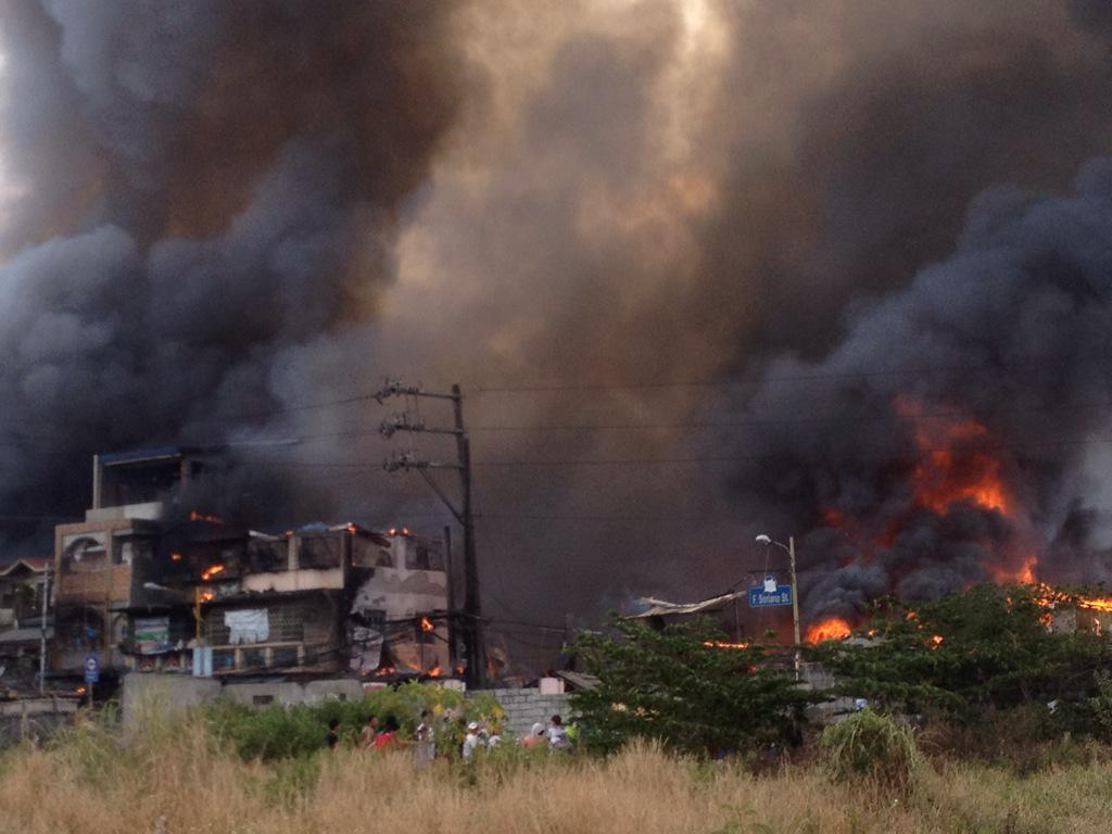 Fire breaks out in Pasig residential area