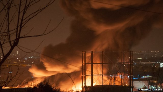 London warehouse destroyed by blaze in Erith