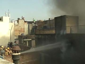 TWO FIRES AT TWO MAJOR MARKETS IN DELHI, NO CASUALTIES